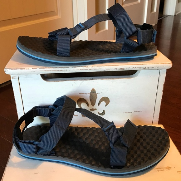 1ebca49b0 The North Face Base Camp Switchback Sandals Sz 13